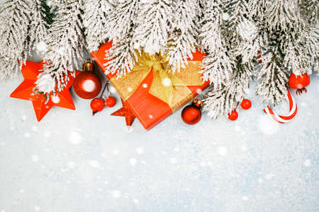 Beautiful Christmas composition background with snow and copy space Standard-Bild