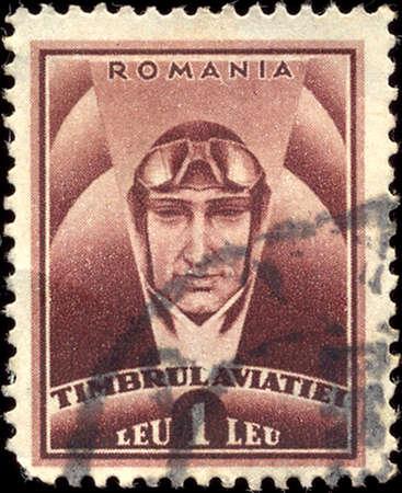 """Roemenië - CIRCA 1932: Een stempel gedrukt in Roemenië toont piloot, met inscriptie """"Timbrul aviatiei"""", uit de serie """"Stichting voor de luchtvaart"""", circa 1932"""