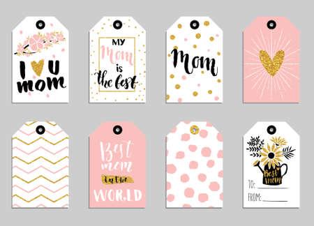 Colección de las tarjetas de felicitación para el día de la madre. lindas etiquetas con flores, letras y otras cosas en la textura de oro. Conjunto de invitaciones de vacaciones brillantes.
