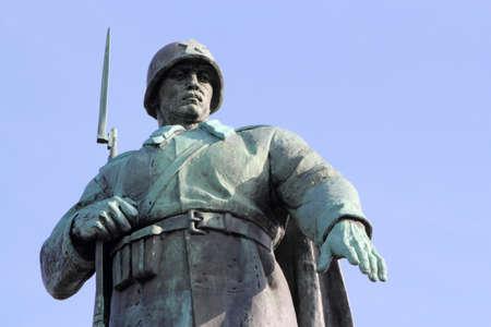 treptow: Soviet soldier - Memorial in Berlin Treptow Park