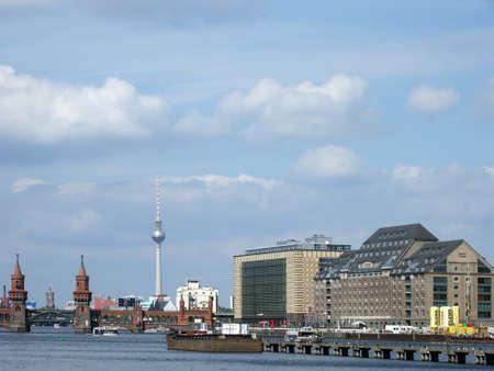 spree: Berlins Spree panorama in Germany