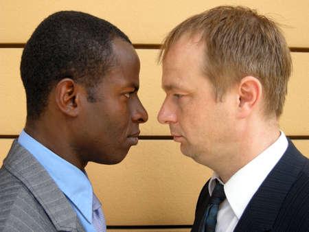 strife: Resa dei conti tra due uomini d'affari