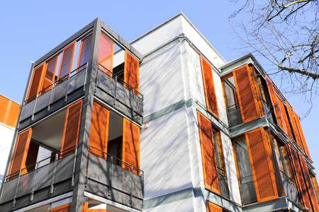 holzvert�felung: Haus mit Holzverkleidung Editorial