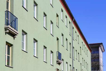 prefabricated buildings: Fachada renovado Foto de archivo