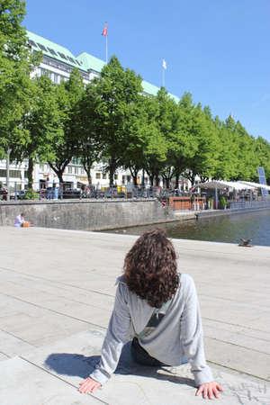 urban idyll: Relaxing in Hambourg