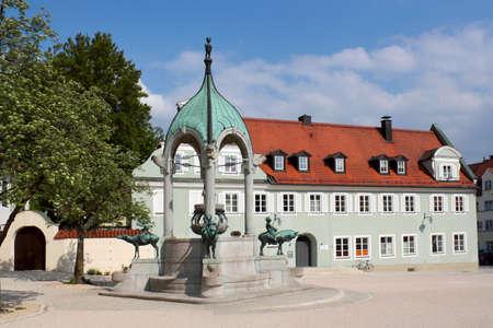 attics: Sankt-Mang-Square