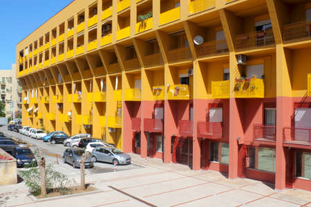 prefabricated buildings: Edificio en Cefalu Editorial