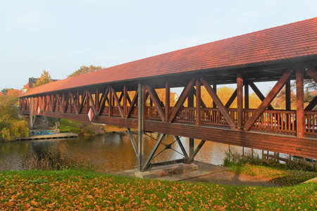 urban idyll: Pioneer Bridge Stock Photo
