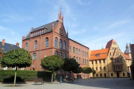 mietshaus: Nauen