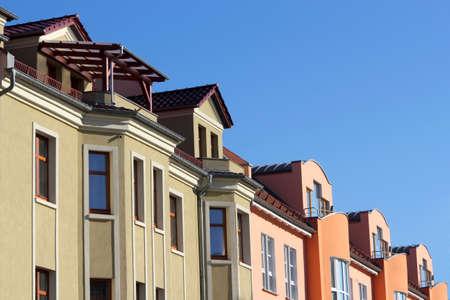 stucco facade: Ristrutturato case linea Archivio Fotografico