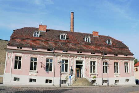 Lendel House