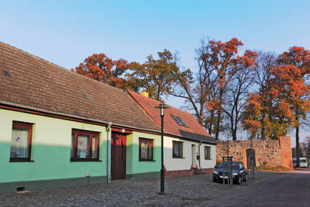 brandenburg home ownership: Living on the city wall Editorial