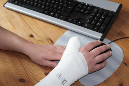 accident at work: thumb splint Stock Photo