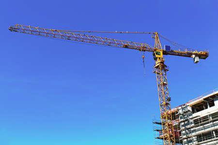 plattenbauten: Crane
