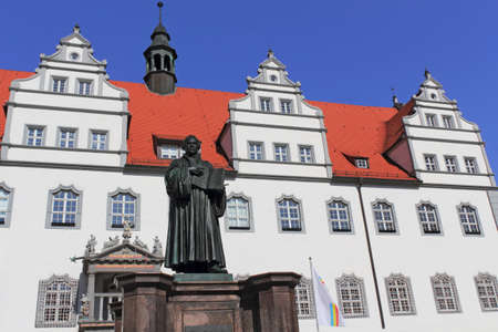 urban idyll: Luther in front of the City Hall