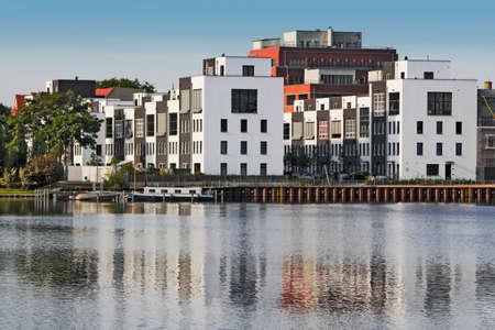 urban idyll: Living on the water