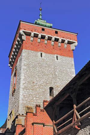 castle conditioning: Krakow Florians Gate