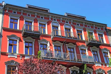 apartment market: Casa renovada
