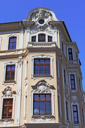 stay nice: edificio antiguo renovado