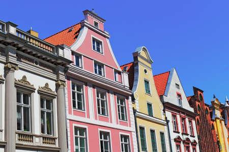 house gable: historical house line