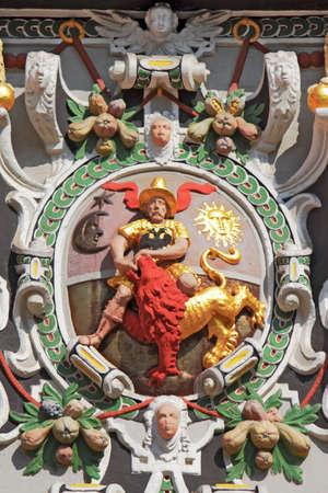 stucco facade: Juleum novelty of Arms