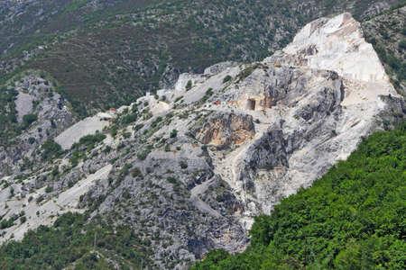 degrading: Apuan Alps