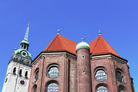 far sighted: Munich parish church Sankt Peter