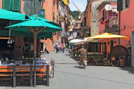 small town life: Monterosso al Mare