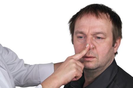 nose drops: broken nose