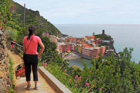 vernazza: View to Vernazza