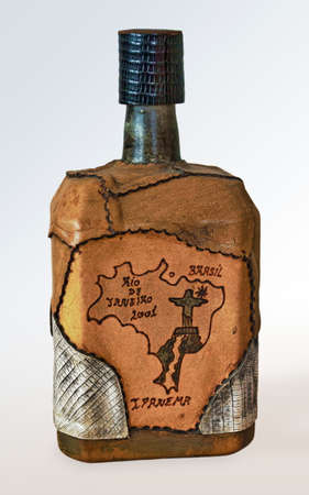 whiskey bottle: Botella de whisky de Brasil Foto de archivo