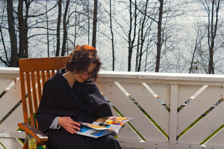 residential idyll: Woman at the lake