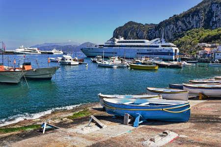 capri: Capri Harbor Editorial