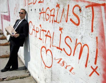 capitalismo: cr�tica del capitalismo Foto de archivo