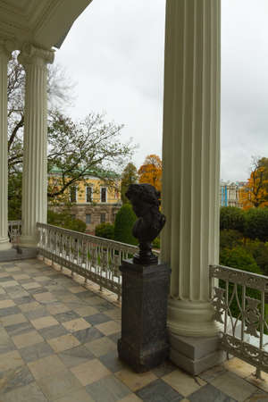 Autumn in the forest. Walk in the Park. Saint-Petersburg. Tsarskoe selo. Catherine park. Gallery.