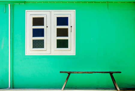 cape cod style: Green Home