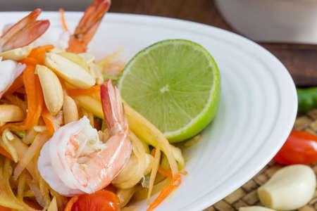 insalata di papaya verde thai food, cucina tailandese cibo tailandese tradizionale e moderna