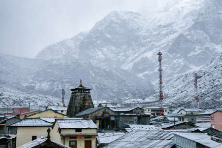Beautiful view of Holy Kedarnath town in winter season, uttarakhand, India. 免版税图像