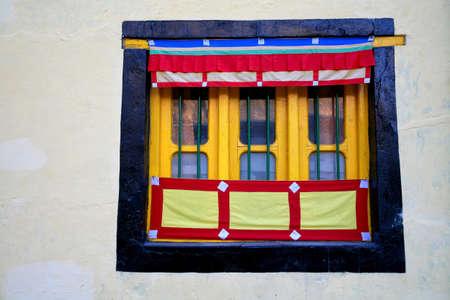 Tibetan monastery in Manali Town, Himachal Pradesh, India 版權商用圖片