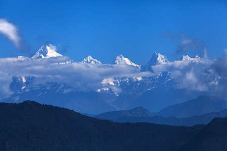 Beautiful landscape of Himalayan snow mountains from Chaukori, Uttarakhand, India 免版税图像