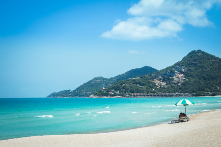 Sea White sand beach with blue sea Chaweng Beach, Koh Samui, Thailand Imagens