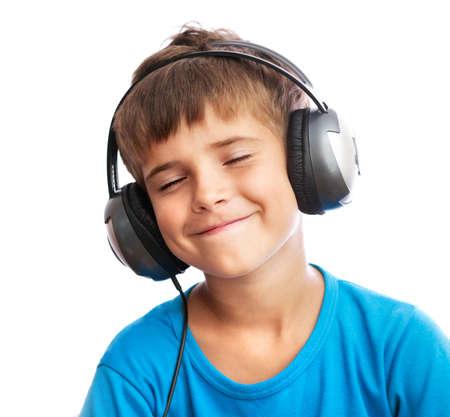 niño cantando: El joven es disfrutar de la música