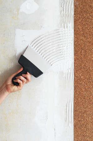 make a smear for stick cork the wallpaper photo