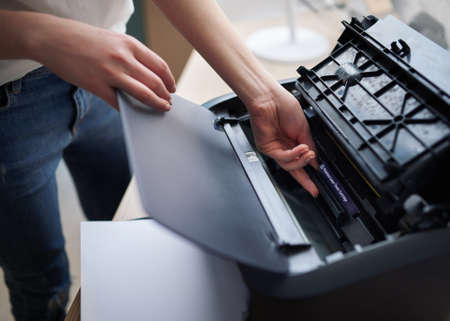 printer cartridge: replacement of the cartridge in a laser printer
