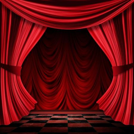 curtain theater: Vista cercana de la vendimia decorativa cortinas rojas del teatro escenario. Foto de archivo