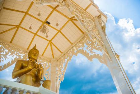 Big Buddha Statue with nice blue sky background Reklamní fotografie