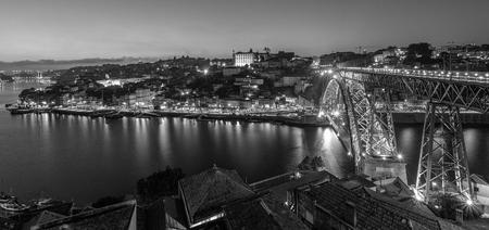 Dom Lui�s I Bridge in Porto (Portugal) in black and white.