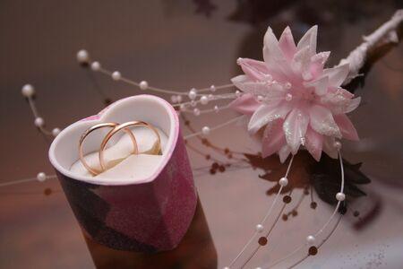betrothal: Wedding rings