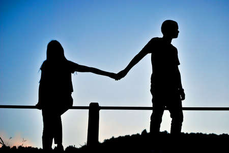 siluetas de enamorados: Decepción amorosa