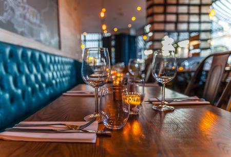 テーブル セットのレストラン